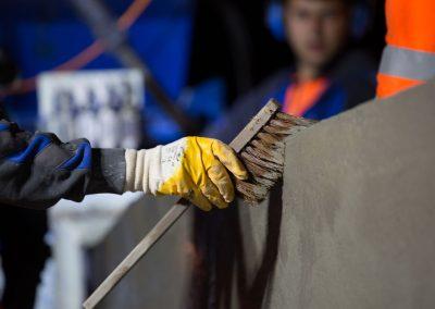 Industriefotografie Baustellenfotografie an der A5 Projekt ELISA mit Fahrzeugrückhaltesystemen aus Ortbeton.