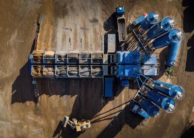 Industriefotografie: Drohnenaufnahme einer Betonmischanlage
